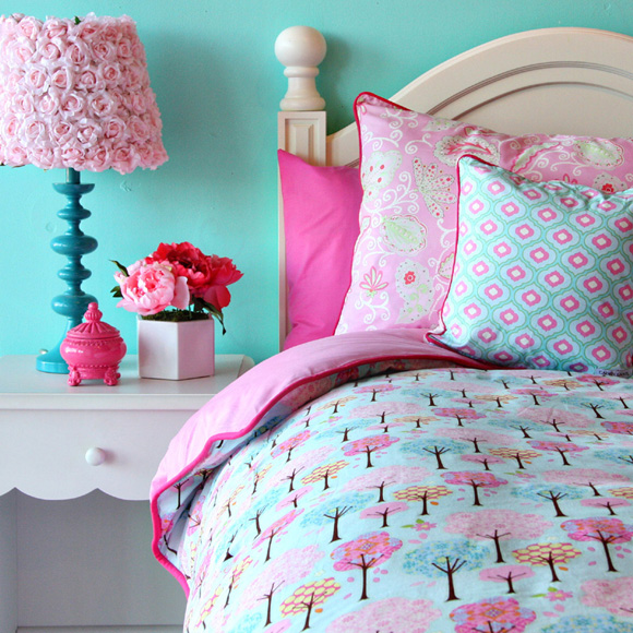 Convey Your Little Girl S Personality Through Her Bedroom: Girly Bedding