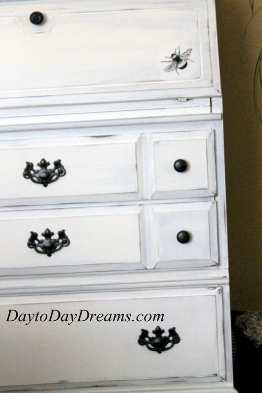 Secretary Makeover DaytoDayDreams.com BEE DESK